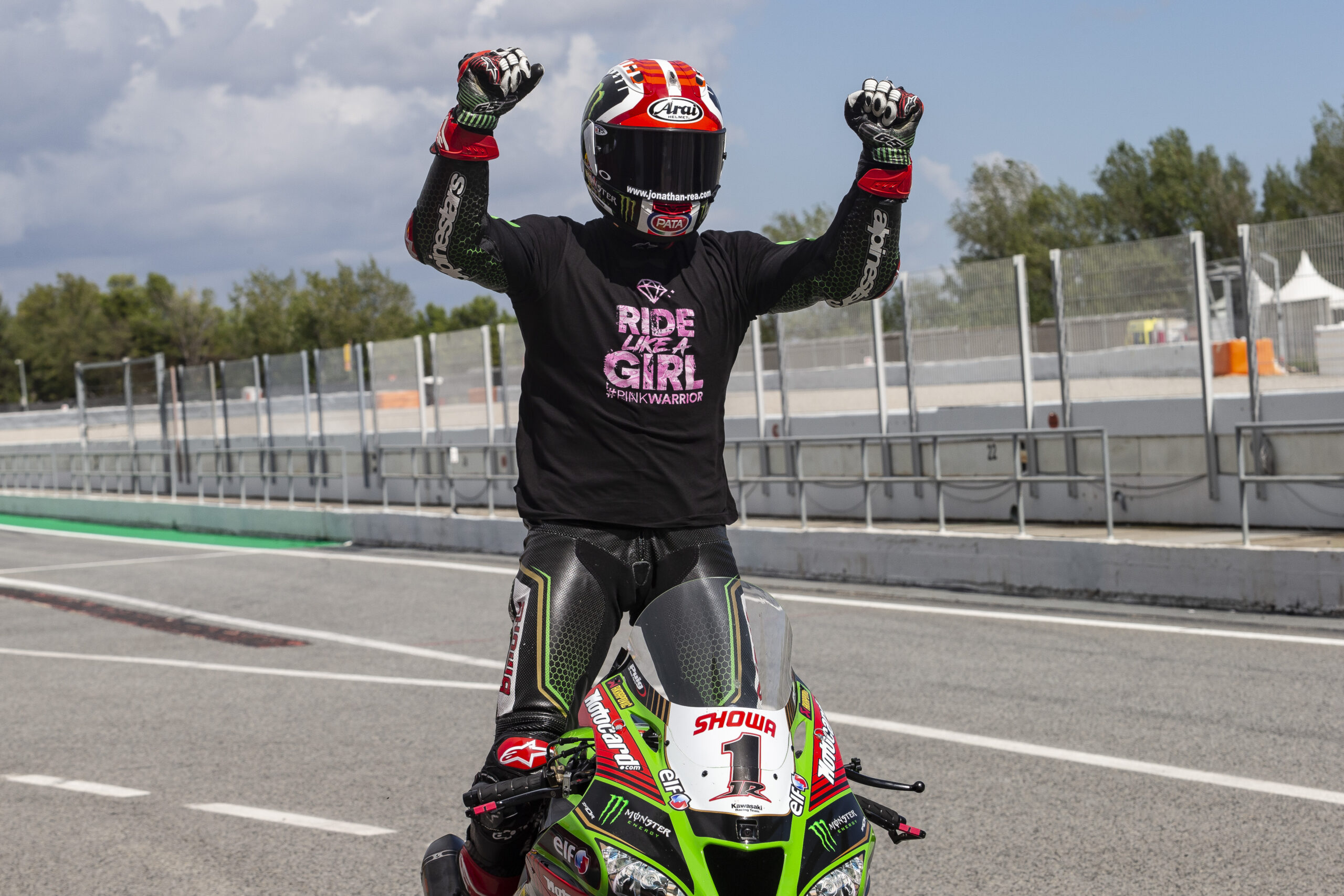 """Featured image for """"WorldSBK: """"It has been an incredible journey this season"""" – Jonathan Rea"""""""