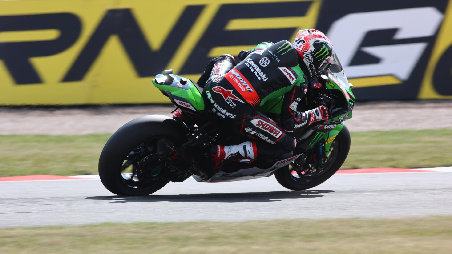 """Featured image for """"WSBK: Johnathan Rea Wins a Challenging Sprint Race"""""""