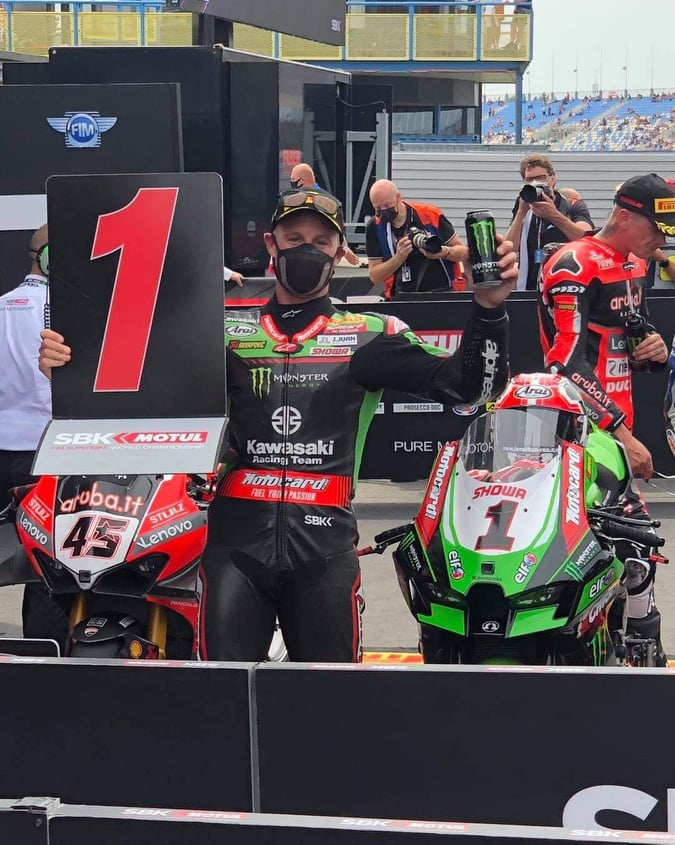 """Featured image for """"Jonathan Rea wins red-flagged Race 1"""""""