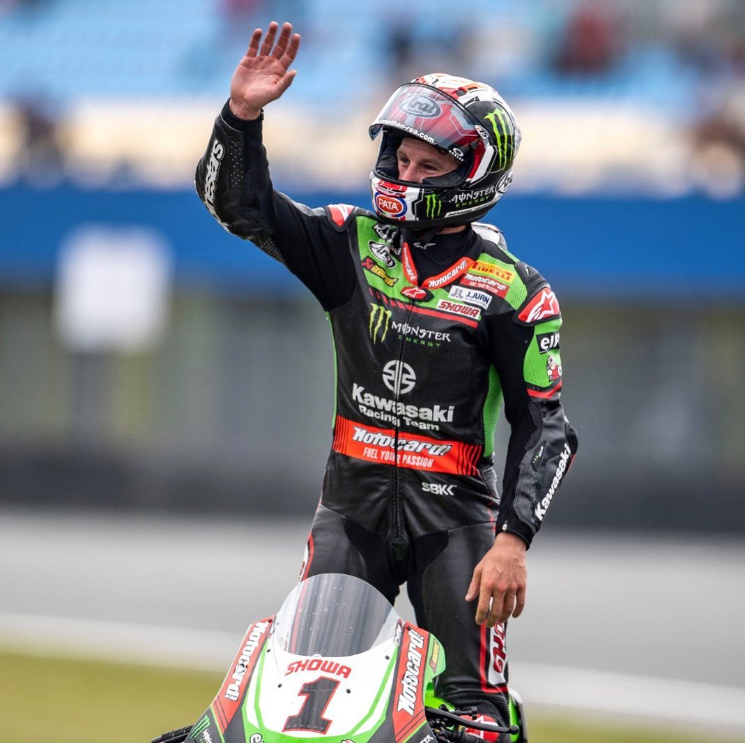 """Featured image for """"WSBK: Jonathan Rea wins AS Razgalioglu Ends Up in the gravel."""""""